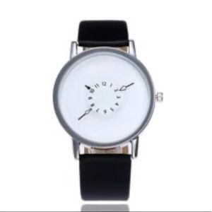 Accessories - Unisex watch for Women or Men in Black and white